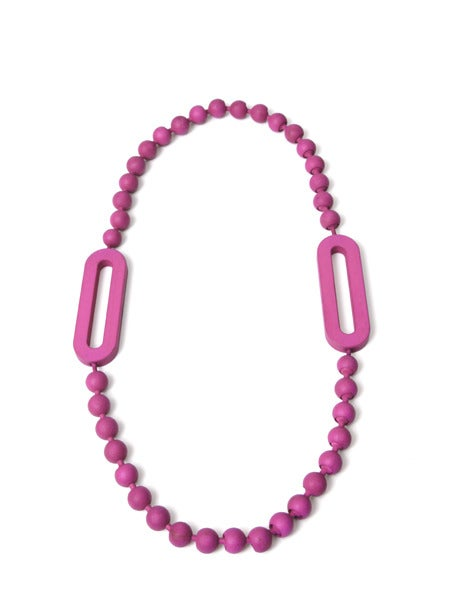 Image of Loop Classic Pearl Necklace