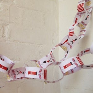 Image of Paper Chains - London