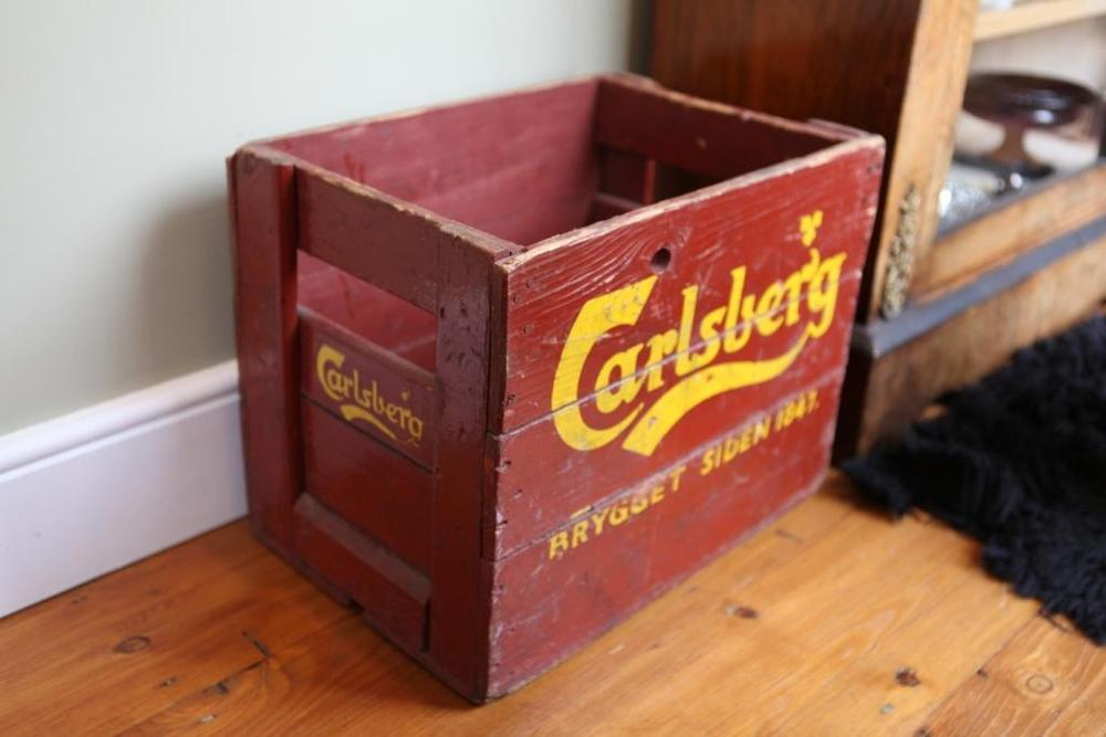 Vintage crates danish 39 carlsberg 39 crates for Where can i find old wine crates