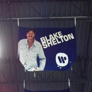 2010 Warner Music Hood/Blake Shelton