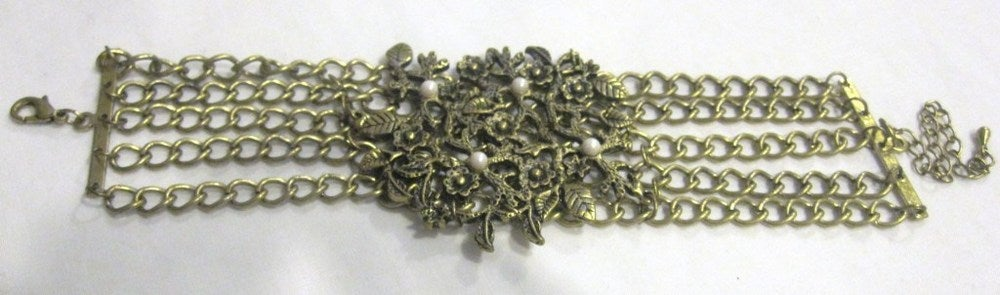 Image of Gold Leaf Pearl Bracelet