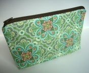 Image of Padded Large Zipper Pouch Cosmetic Pouch Gadget Case Cosmetic Bag NEW Flora Paisley Leaf