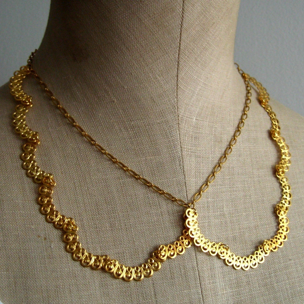 Image of Scalloped Peter Pan Collar Laced Necklace