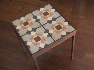 Image of Monica i Juan-Maria end table