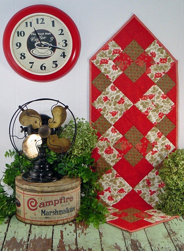 Image of Fat Quarter Table Runner IV - Pattern Q113 PDF pattern