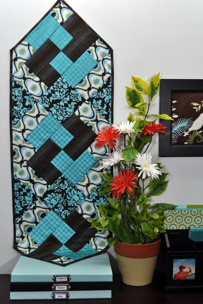Image of Fat Quarter Table Runner VII - Pattern Q117 PAPER pattern