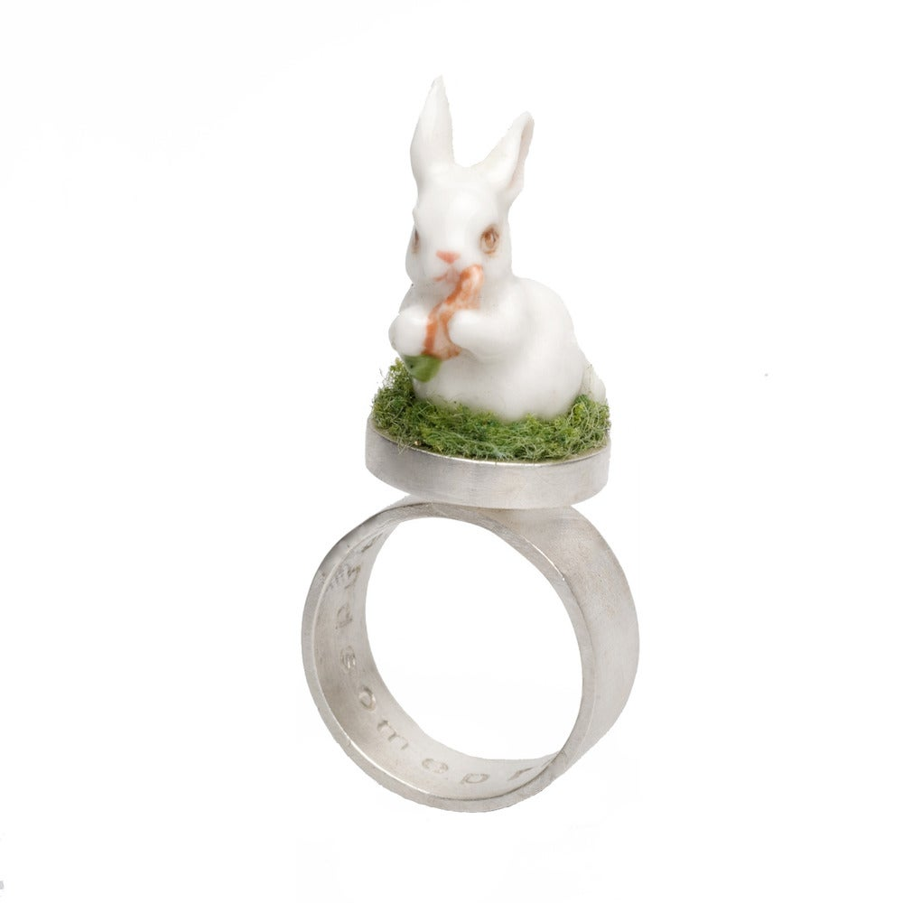 Image of Glory ring- bunny with carrot
