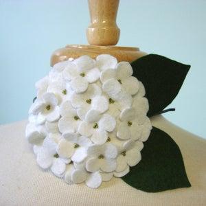 Image of large hydrangea // white headband