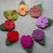 Image of medium beaded flower clip // warm colors