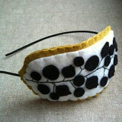 Image of pod headband // b+w with mustard
