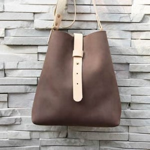 Image of Handmade Artisan Genuine Leather Messenger Bag Satchel in Dark Brown - Pail Bag - Unisex (m15-2)