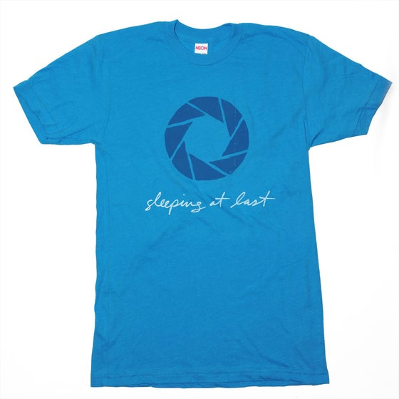 "Image of ""Aperture"" T-Shirt"