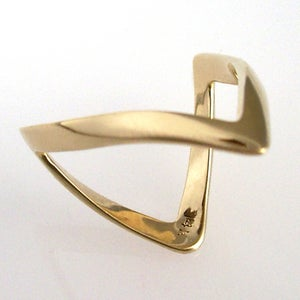 Image of European Wishbone Ring in 14K Gold