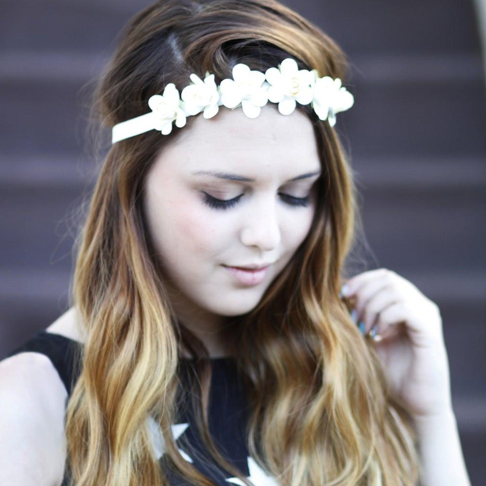 Image of Elegant Ivory Flower Headband