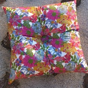 Image of ANGELICA GARLA square buttoned cushion