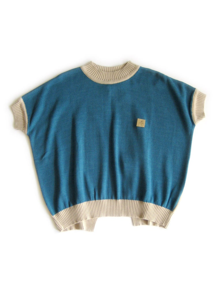 Image of Kele Acinos Split-back Sweater - Beige/Cerulean