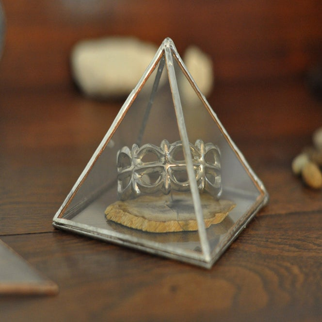 Image of Glass Pyramid Display Box, large