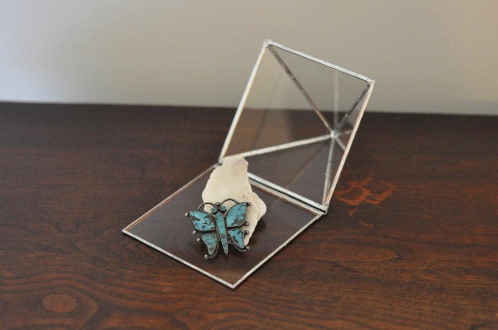 Image of Glass Pyramid Display Box, large