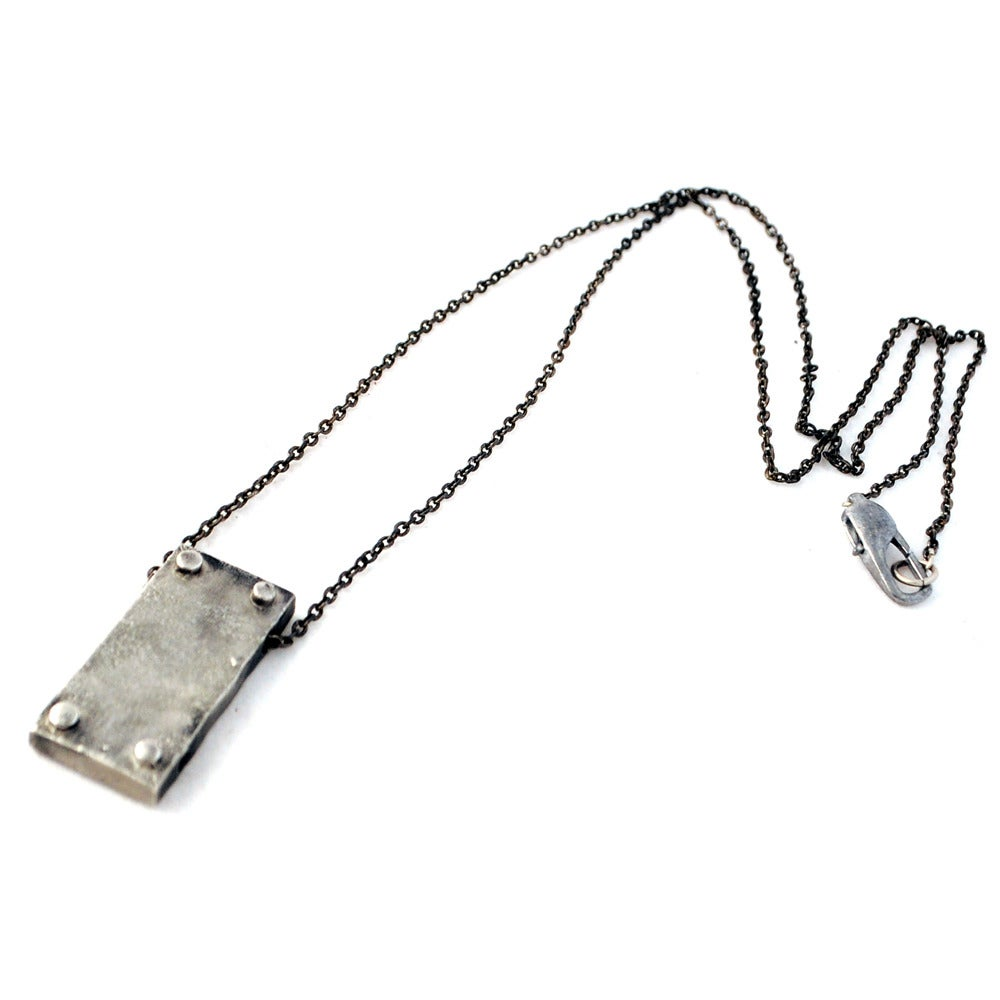 Image of small vertical necklace