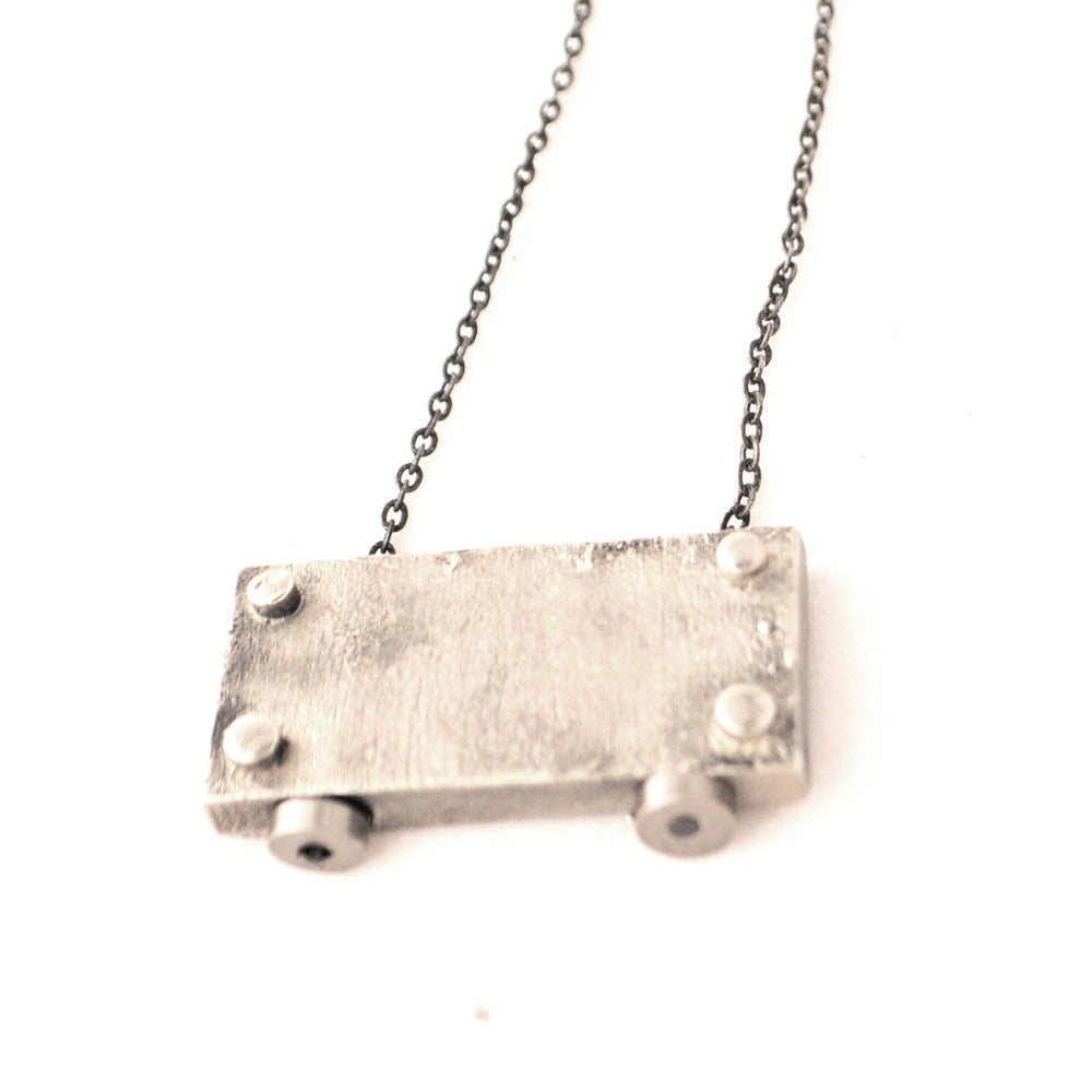 Image of small horizontal necklace