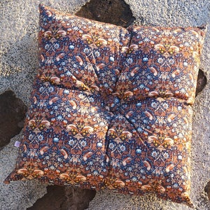 Image of STRAWBERRY THIEF square buttoned cushion