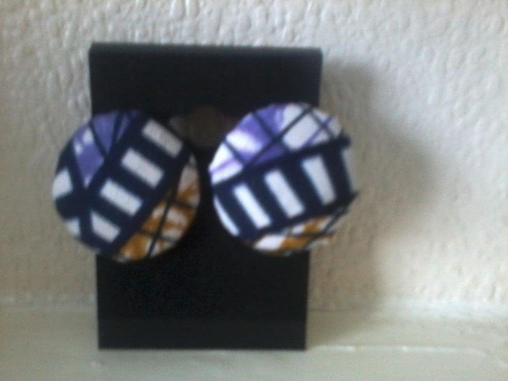 Image of Vekras multipurple stud earrings