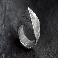 Image of Pyramid Stud Ring