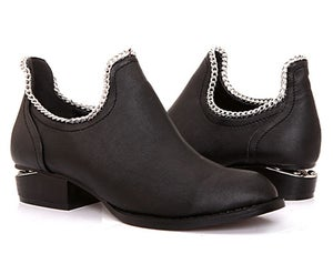 Image of 'LONDON' Black with Chain shoe