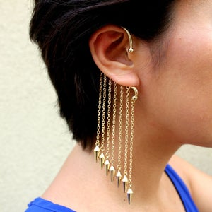 Image of Earring Cuff with Chains and Spikes