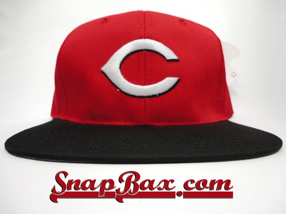 Image of VINTAGE CINCINNATI REDS OUTDOOR CAP RED BLACK SNAPBACK HAT