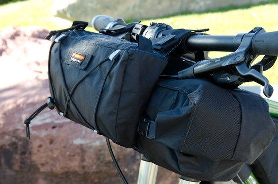 Image of Entrada handlebar bag with pocket option