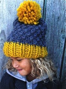 """Image of Kit tricot bonnet """"Happy funny""""."""