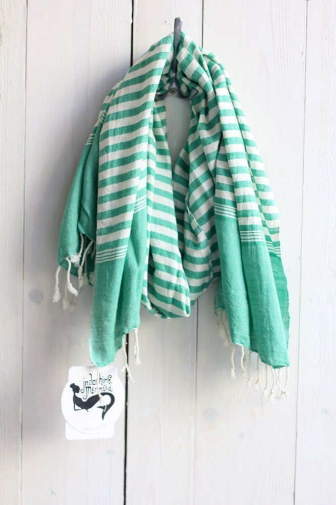 Image of Schal aus Baumwolle · grün - weiss gestreift ·