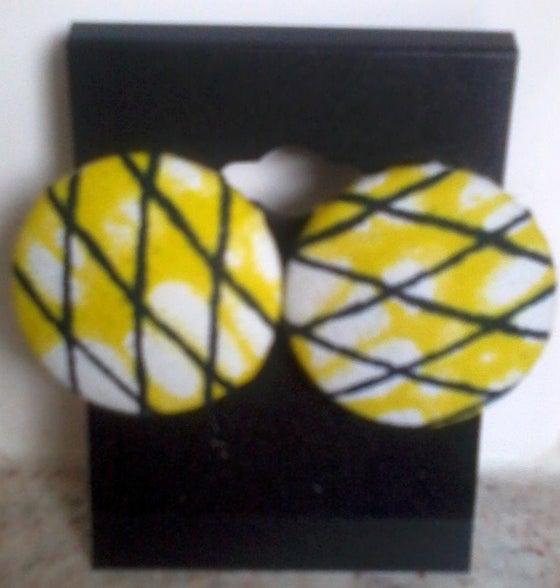 Image of Vekras Yellow Stud Earrings