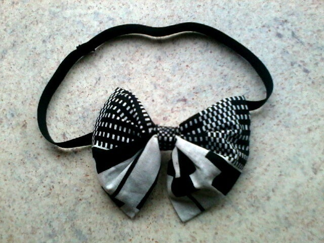 Image of Vekras Black and White Unisex Bow-tie