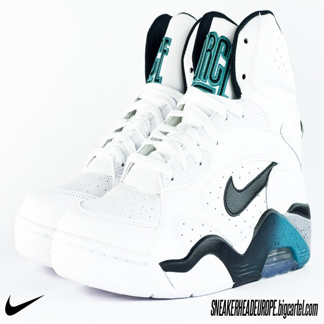 newest b7591 27c5a ... Nike Air Force 180 Mid Emerald Release Date Pictures to pin on Pinterest
