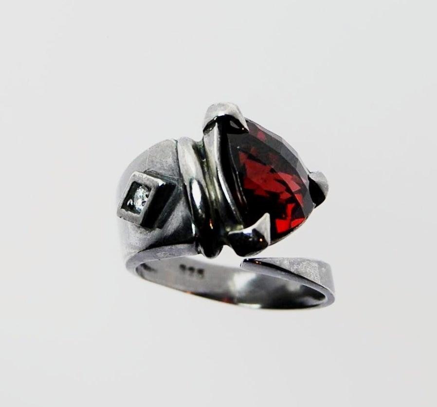 Image of Tratti Amaranto Snake Ring