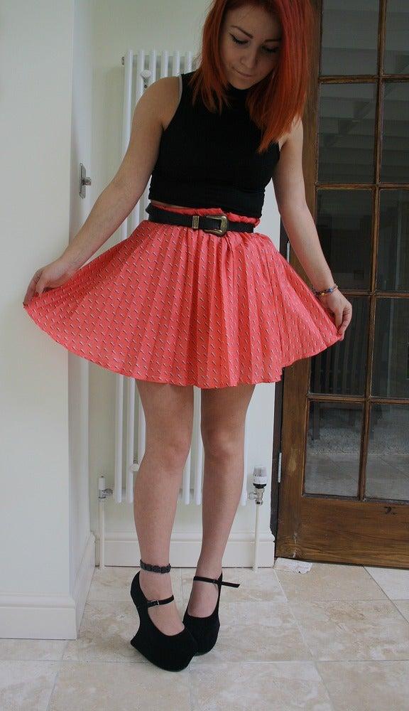 Image of Vintage Pink Pleated Patterned Skater Skirt