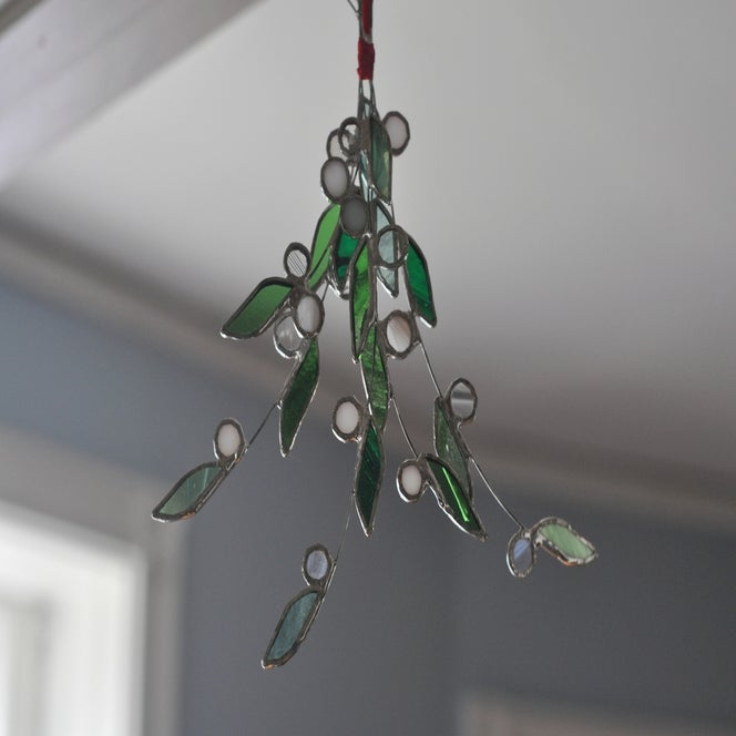 Image of Mistletoe Bunch
