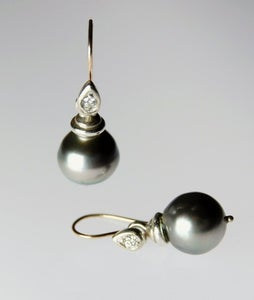 Image of Tratti Perle Diamonds Earrings