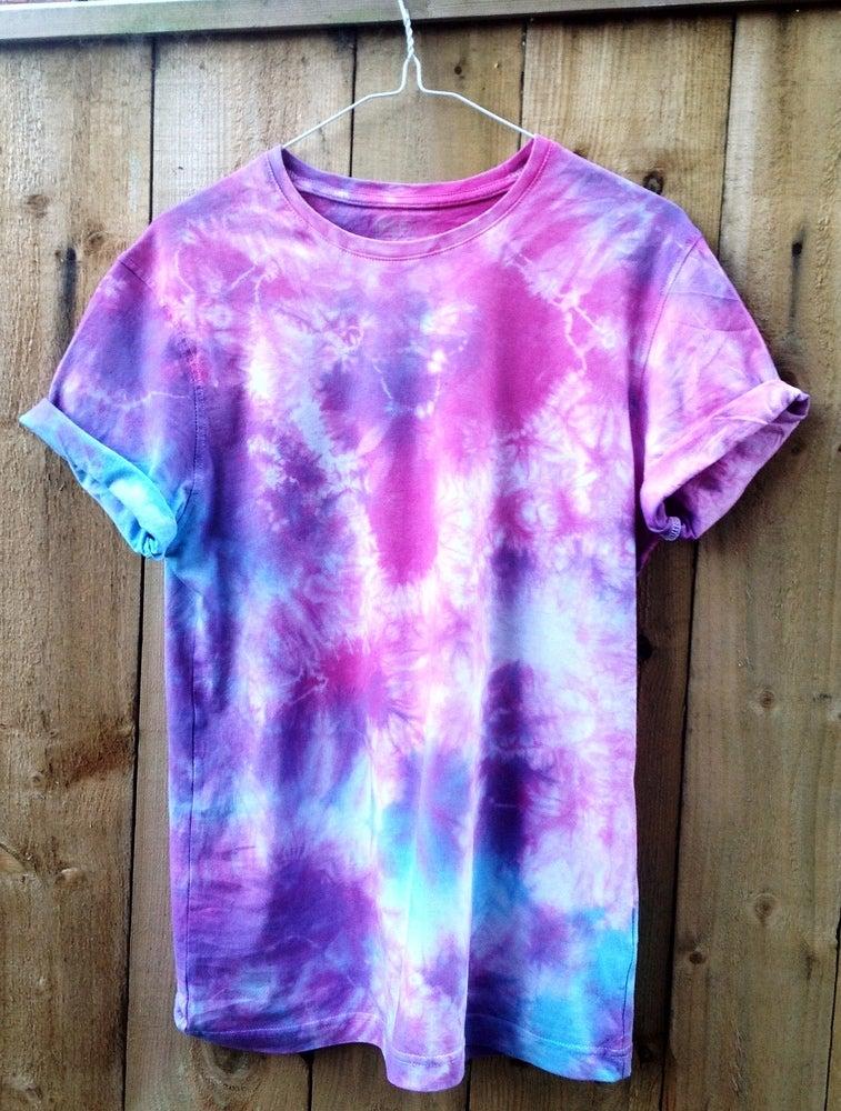 wonderland apparel blue purple and pink tie dye short sleeved t shirt. Black Bedroom Furniture Sets. Home Design Ideas