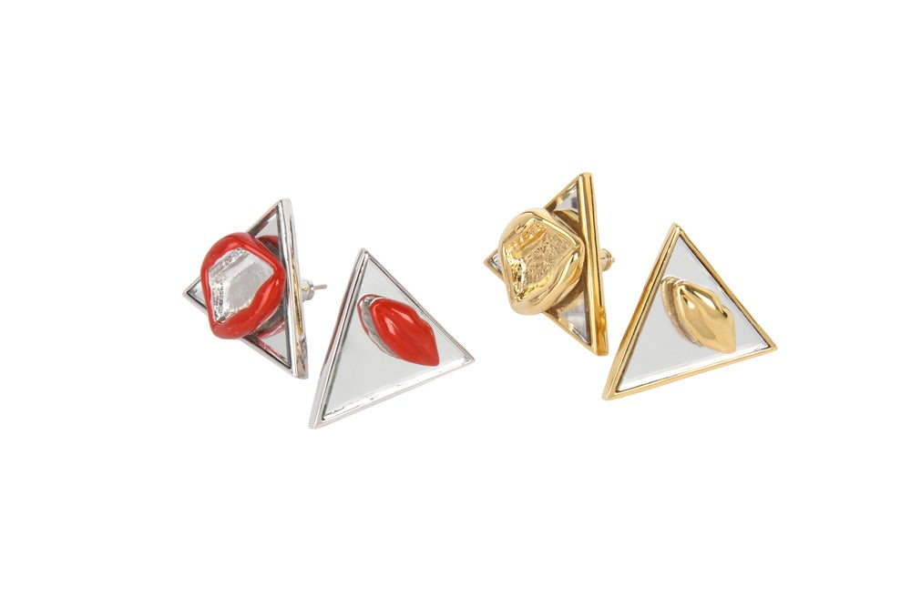 """Image of NEW! Library Brass """"Psycho"""" earrings 脣形三角耳環"""