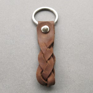 Image of Brown braided leather keyring