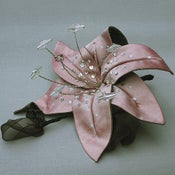 Image of R57 Silvery Pink Lily