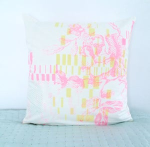 Image of Cushioncover - Neonpink Flower