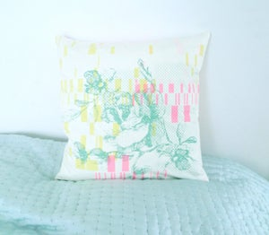 Image of Cushioncover - Neonpink/green Flower