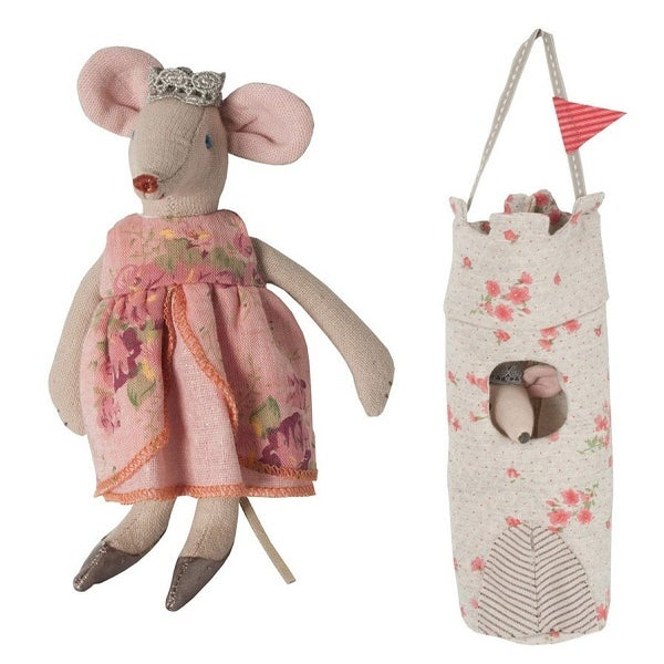 Image of Queen Mouse In A Tower Bag