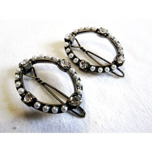 Image of Vintage Pearl Hairclips