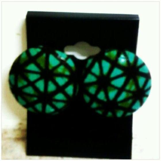 Image of Vekras Green/Brown Medium Stud Earrings