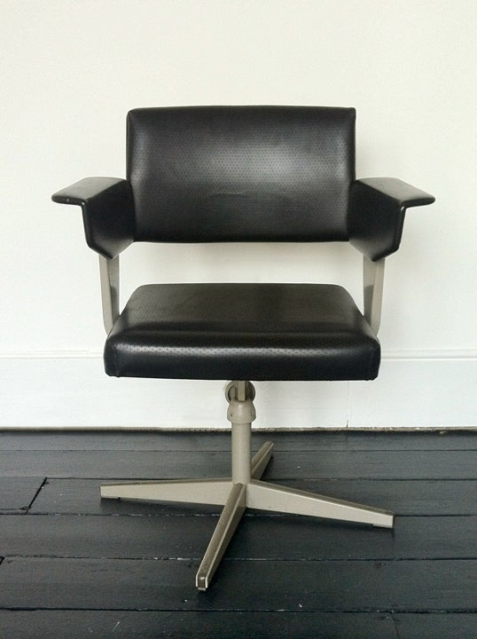 Image of Friso Kramer Revolve Chair